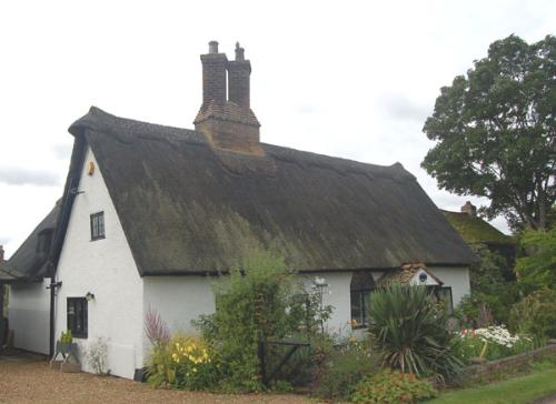 Tompions Cottage at Ickwell Jul 2007